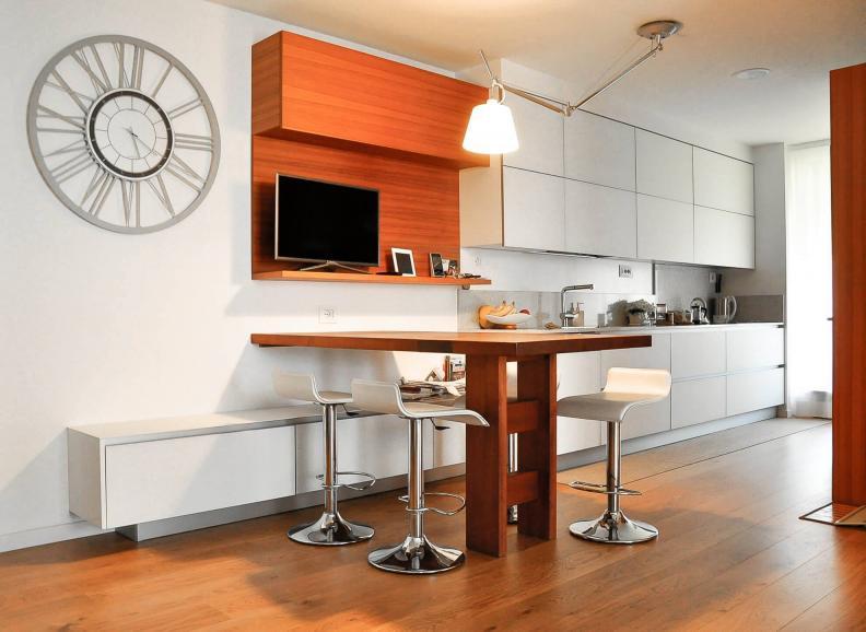 cucina e tavolo su misura in teak - Berbenno di Valtellina