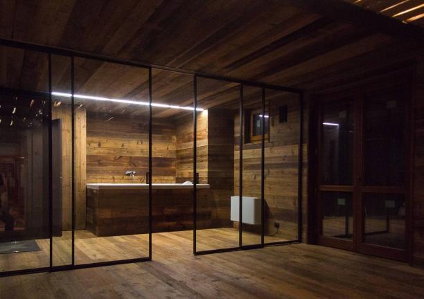 rivestimento idromassaggio e porte in cristallo - Chiesa in Valmalenco