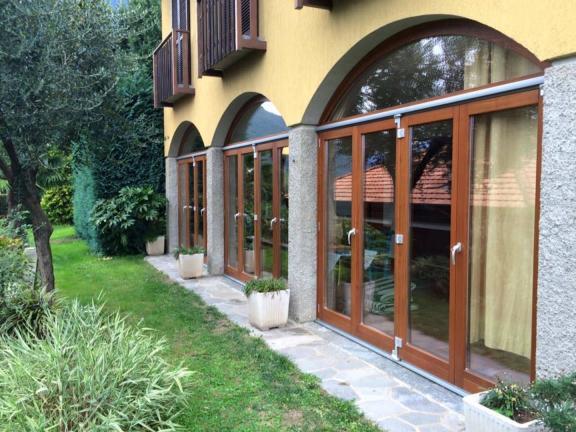 finestre basic 68 mm con apertura verso l'esterno - Como