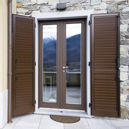 finestra legno / alluminio 100 mm con persiane alluminio - Sondrio