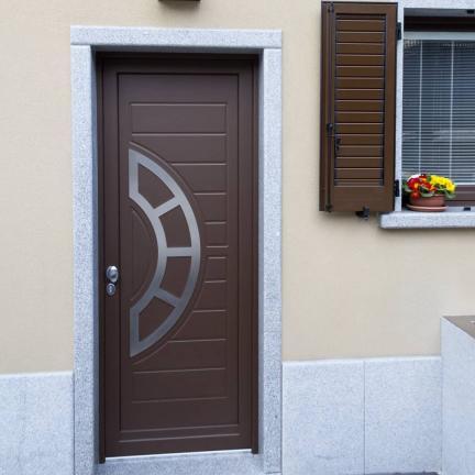 Portoncino ingresso su misura in legno/alluminio - Sondrio