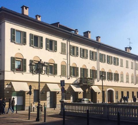 finestre basic 68 mm e persiane laccate - Monza