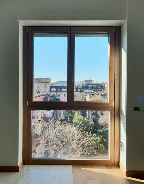 finestra in rovere  legno / alluminio 100 mm - Milano